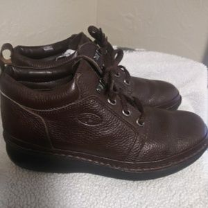 Mens Propet brown leather high top shoes sz 10.5
